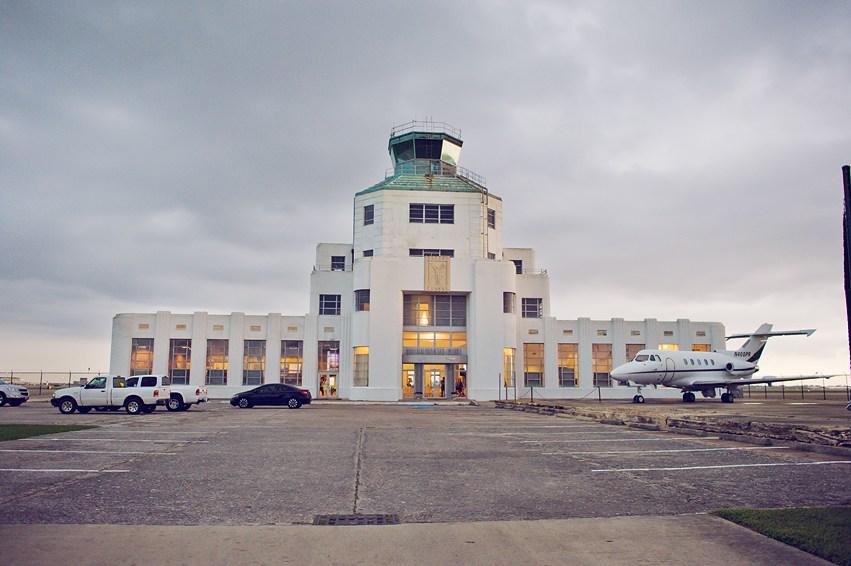 1940 air terminal museum hochzeitszeit. Black Bedroom Furniture Sets. Home Design Ideas