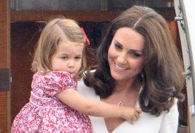 Dies ist der seltsame Grund, warum Prinzessin Charlotte nicht bei ihren Eltern sitzen darf