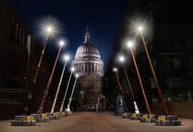 Gigantische Harry-Potter-Zauberstäbe werden diesen Winter den Londonern den Weg bahnen