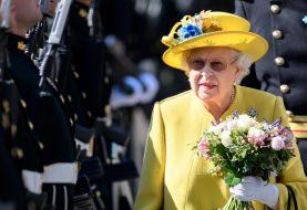 Auf diese Weise erreicht das Essen Queen Elizabeth im Palast und es wäre einfacher, wenn Sie es dort blimpen