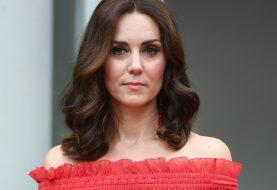 Deshalb wird Kate Middleton niemals Keile um die Königin tragen