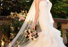 Rokoko Perlen Brautkleid mit strukturiertem Rock
