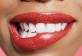 Wenn Sie eine starke Lippe nageln möchten, dürfen Sie diese Schritte nicht überspringen
