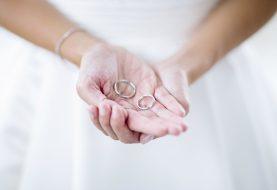 Dieser neue Ehering-Stil zeichnet sich ab und wir sind uns nicht sicher, wie wir uns dazu fühlen