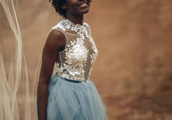 Startseite »Frisuren» Brautfrisuren 20 Atemberaubende Hochzeitsfrisuren für schwarze Frauen 12. September 2018 von Anjali Sayee IncnutIncnut Incnut