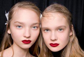 Die besten Lippenflecken für Farbe, die sich nicht bewegen