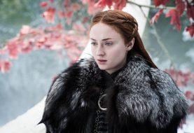 """Sophie Turner glaubt, dass die Fans von Game of Thrones über das Finale """"enttäuscht"""" oder """"über den Mond"""" sein werden"""