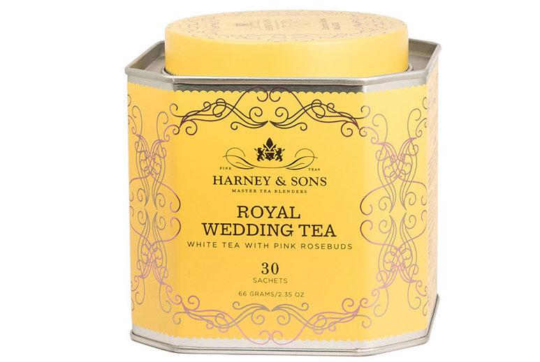 Dieser neue königliche Hochzeits-Tee mit rosa Rosenknospen ist genau das, was Sie für das königliche Hochzeit-Aufpassen benötigen