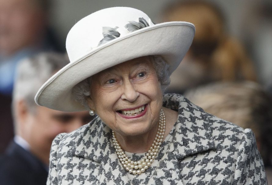 Queen Elizabeth stellt offiziell einen stellvertretenden Koch ein