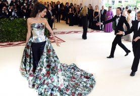 Deshalb war Amal Clooney der einzige Promi, der auf der Met Gala 2018 Hosen trug